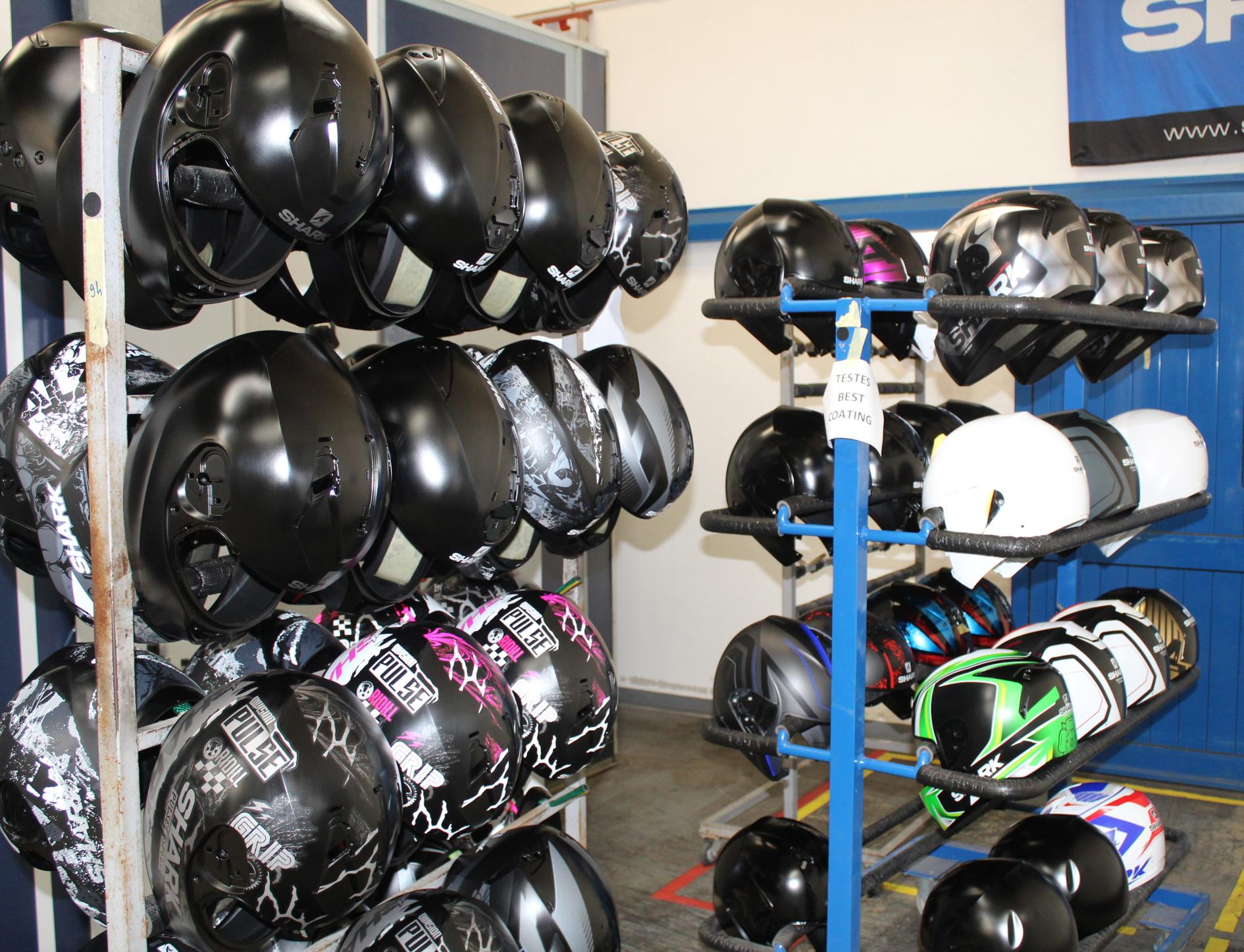 Verniciatura di caschi per motociclismo. Un processo ad alta caratterizzazione e a bassissimo impatto ambientale: l'esperienza dello stabilimento SFPC di Shark