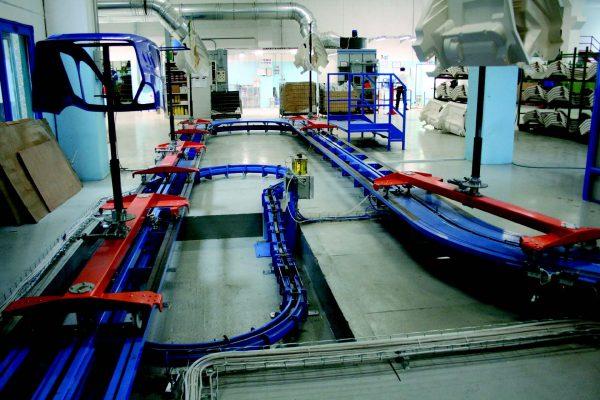 L'impianto di distribuzione aria all'interno delle cabine, ai forni di appassimento e al forno di cottura finale