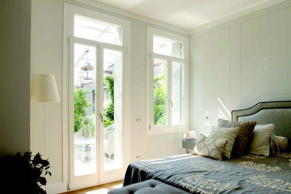 Alcune realizzazioni di Bortoletto Serramenti, azienda di Padova specializzata nella produzione di finestre e scuri di legno