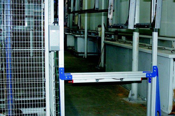 Il lettore ottico (scanner) che rileva la dimensione e sagoma dei pezzi da verniciare.