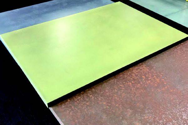 Lo showroom di Kempa che da 26 anni produce e vernicia ante e pannelli con cicli di verniciatura tradizionali e da 4 anni ha ampliato l'offerta con pannelli verniciati con una mano unica di vernici in polvere della famiglia IGP-Rapid® della IGP Pulvertechnik AG