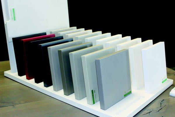La gamma di 18 colori che Kempa ha selezionato per i propri clienti.