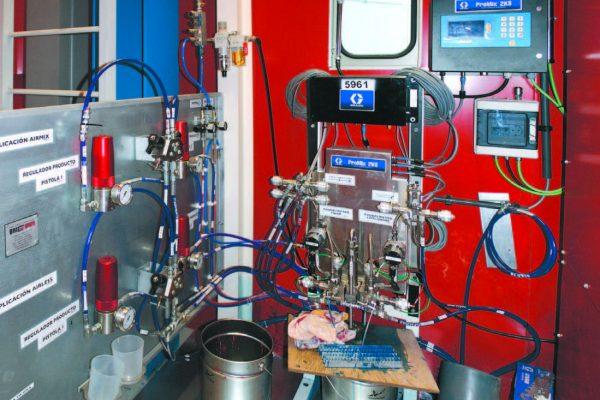 La centrale vernici è posta tra cabina e forno, in atmosfera controllata. Consta di miscelatrice elettronica e sistema d'applicazione misto-aria.