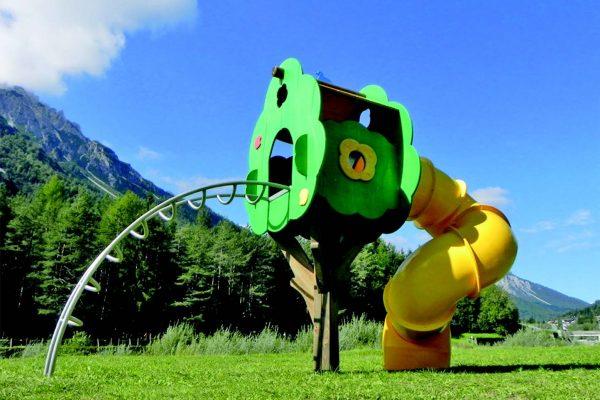 Alcuni esempi di elementi per parchi gioco.