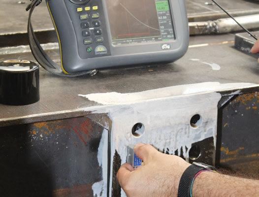 La verifica delle saldature viene effettuata da tecnici specializzati con le adeguate strumentazioni. I rilevamenti si effettuano sia sulle saldature visibili sia sulle parti nascoste.