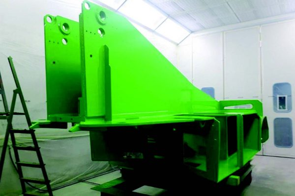 L'impianto di Galgagnano è organizzato per la verniciatura di pezzi di ogni dimensione: normalmente sono lotti numericamente piccoli.