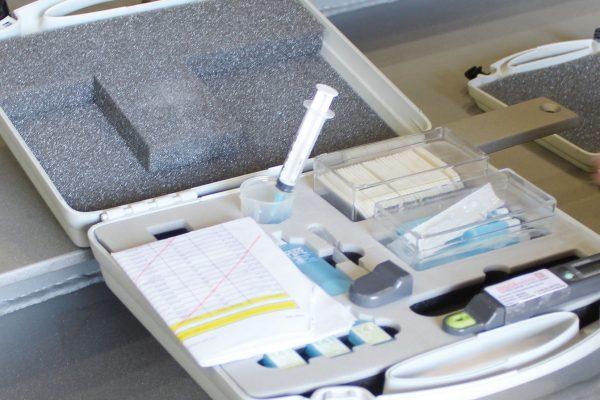 """Una valigetta """"tipo"""" dell'ispettore. Contiene una serie di strumenti che possono essere considerati la dotazione minima per effettuare i controlli secondo normativa."""