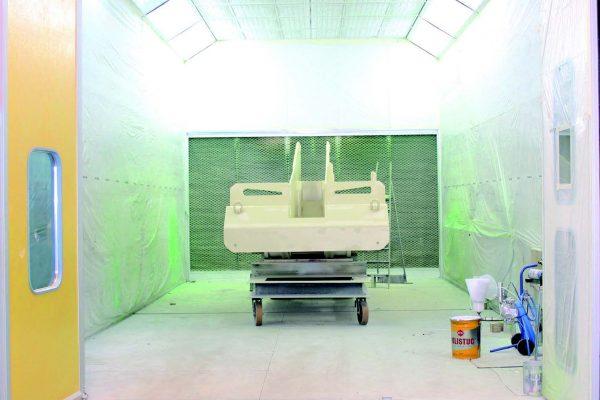La cabina-forno di grandi dimensioni ha completato la dotazione impiantistica dell'azienda lombarda.