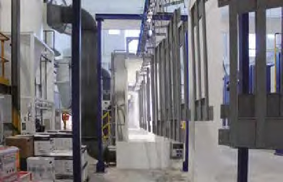 Particolari dei due impianti a polveri nelle aree delle cabine di spruzzatura.