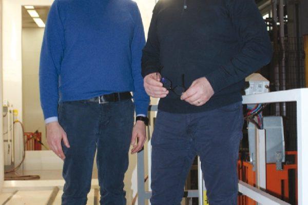 Da sinistra Enrico Volpe, responsabile dello stabilimento Zincol di San Vito al Tagliamento con Venanzio Rosada di Wagner