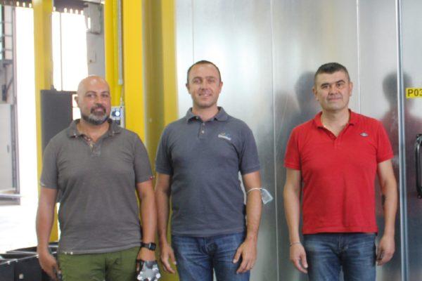 Da destra Moreno Masagli, titolare di Ecover con Carlo Guidetti di Chemtec e Emanuele Zepponi, agente di Chemtec per le Marche.