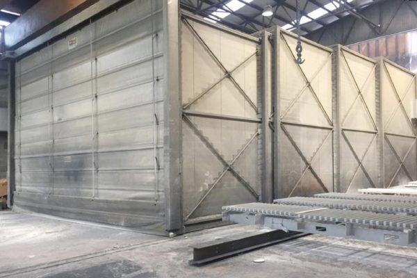 La grande cabina di quattro settori movibili a seconda delle dimensioni della struttura.