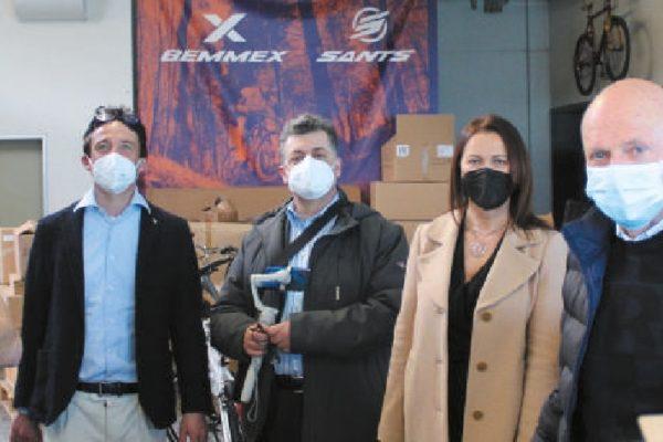 Da destra, Omero Maniero, Marcella Baldoni (Siver), Massimo V. Malavolti, Luca Tomassoni (Siver) e Matteo Maniero, in vista alla Bemmex.