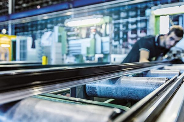 L'evoluzione dal profilato estruso alle applicazioni industriali, avvenuta nel 1980, viene sancita dalla nascita di una struttura tecnica e commerciale nell'area industry