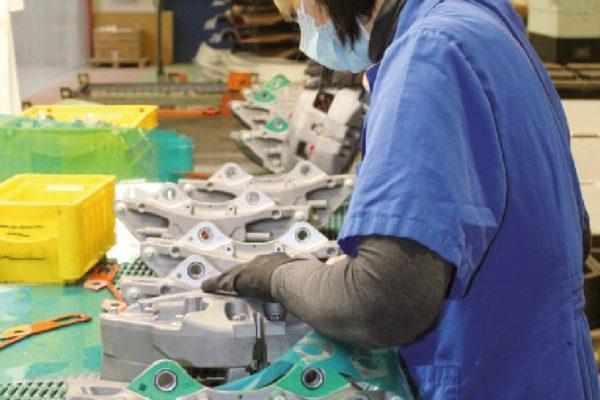 La complessità dei pezzi richiede un apposito reparto di mascheratura.